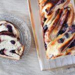 עוגת גביניות עם אוכמניות ושוקולד לבן