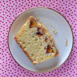 עוגת נקטרינות ופירורים