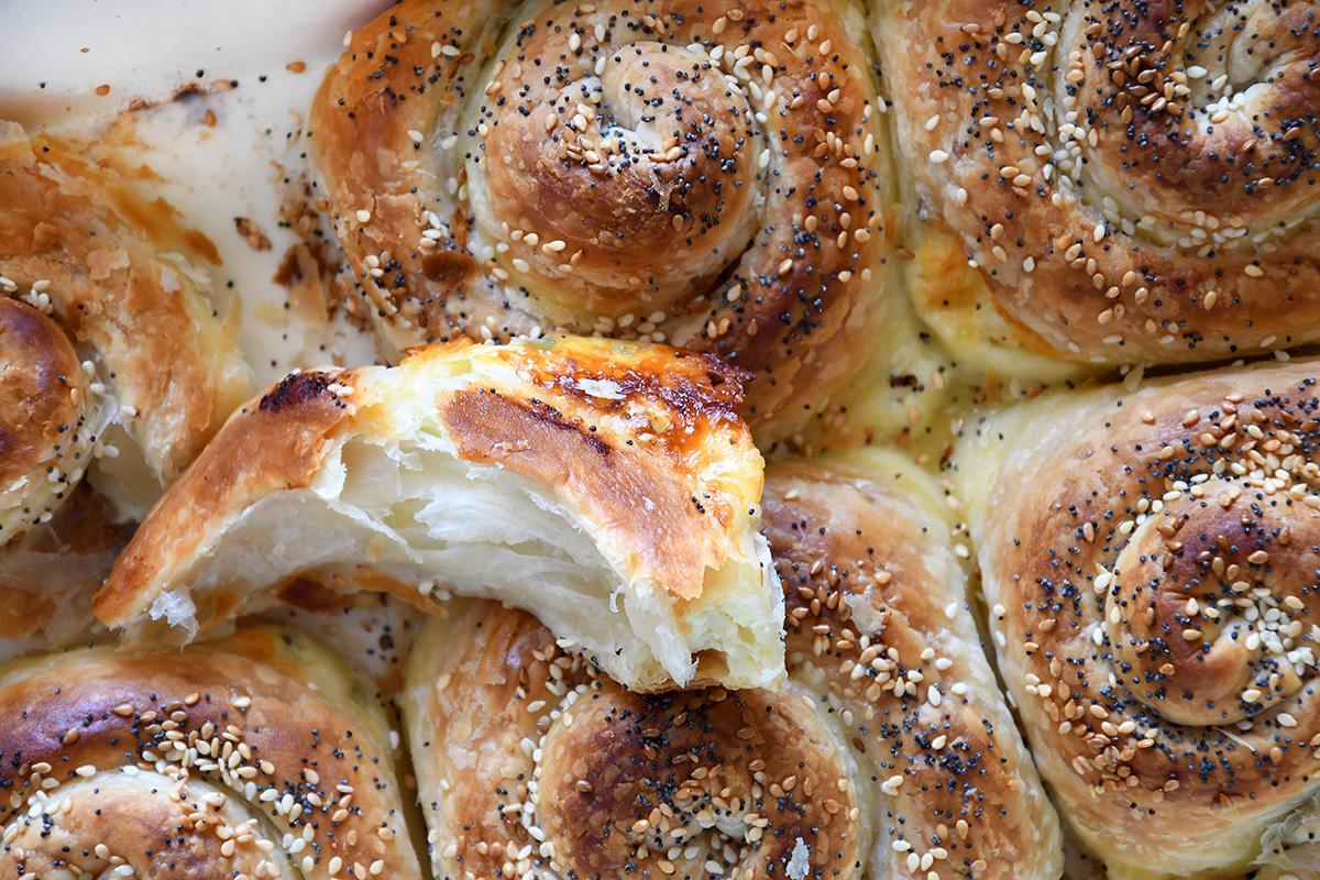 שבלול בורקס במילוי גבינות