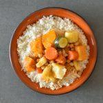 קוסקוס אמיתי במיקרו ב-10 דקות (וגם: מרק ירקות לקוסקוס)