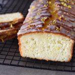 עוגת לימון ויוגורט רכה וממכרת שמכינים בקערה אחת