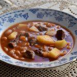 מרק שעועית עם בשר ותפוחי אדמה
