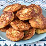 קציצות כרובית ותפוחי אדמה (אפויות או מטוגנות)