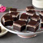 קוביות בראוניז שוקולד וקוקוס - ללא קמח וללא מוצרי חלב