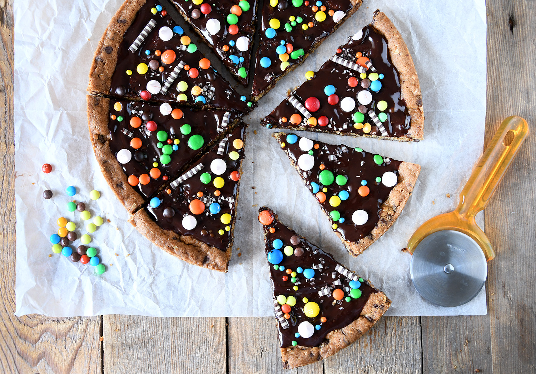 עוגיית שוקולד צ'יפס ענקית