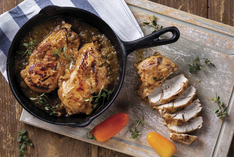 חזה עוף ברוטב חרדל, דבש וטימין