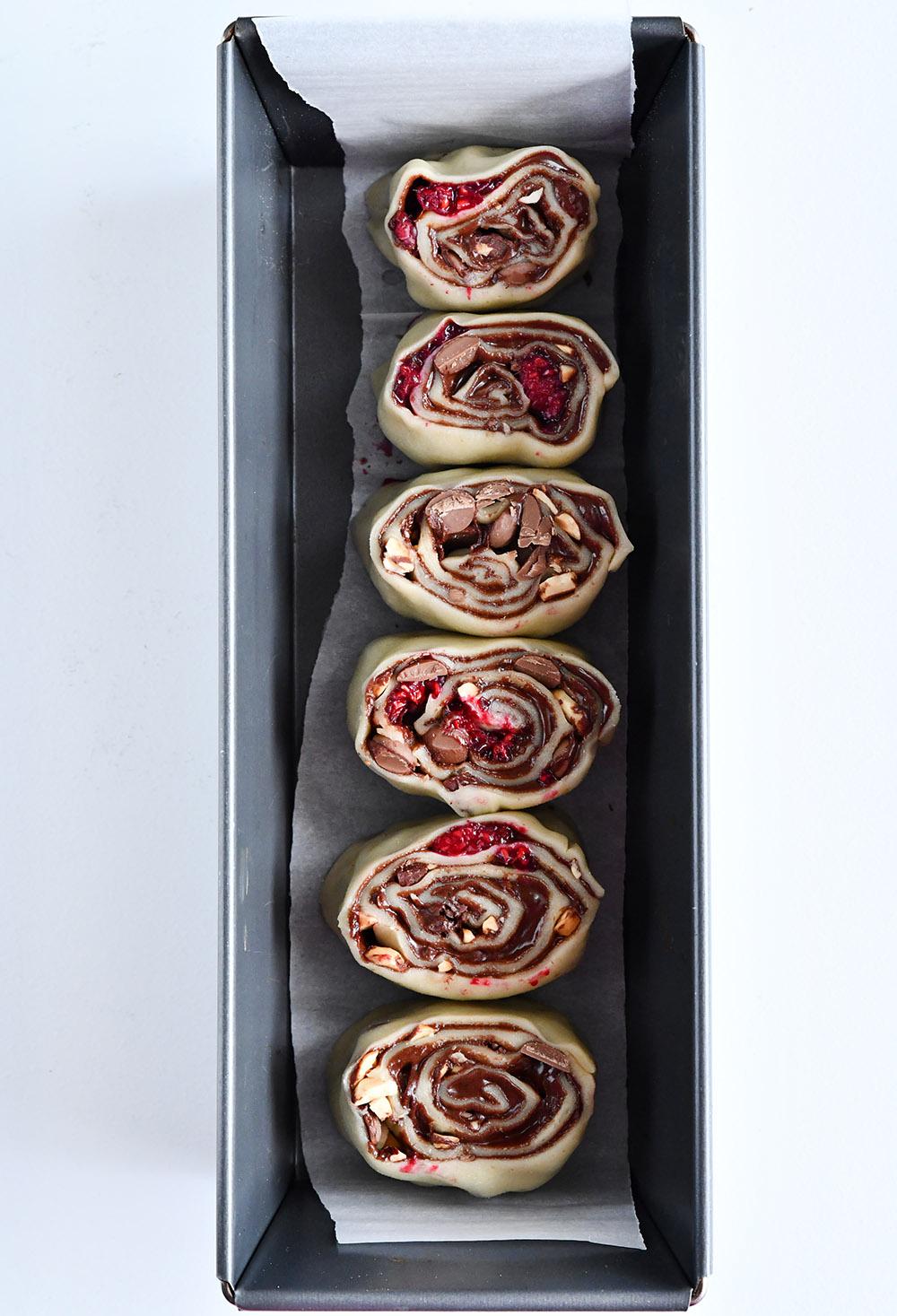 שושני שמרים במילוי שוקולד ופטל