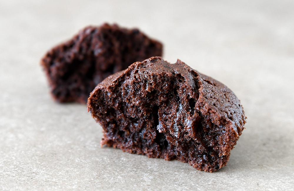 קאפקייקס שוקולד וקפה שחור