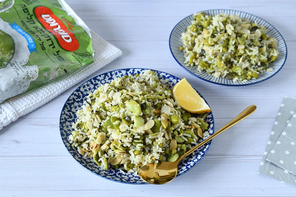 אורז ירוק עם שקדים קלויים