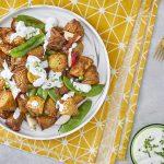 סלט תפוחי אדמה צלויים ובצל מקורמל עם רוטב קרם פרש ויוגורט