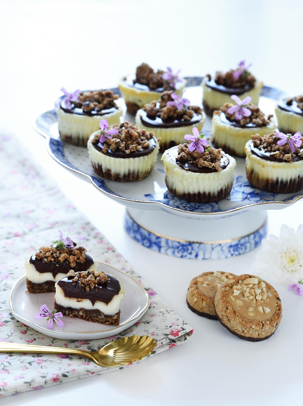 מיני עוגות גבינה ושוקולד