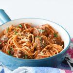 ספגטי עם כדורי בשר טבעוניים ברוטב עגבניות
