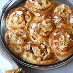 שבלולי שמרים במילוי גבינות ונקטרינות עם תחליף סוכר