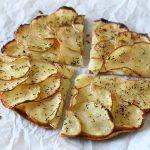 טורטיות פרח עם רעפי תפוחי אדמה