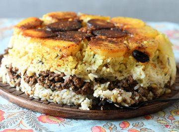 עוגת אורז עם בשר טחון וצנוברים